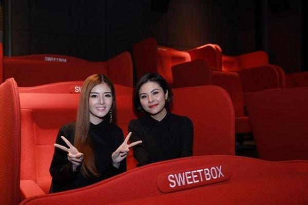 Ghế rạp chiếu phim đôi