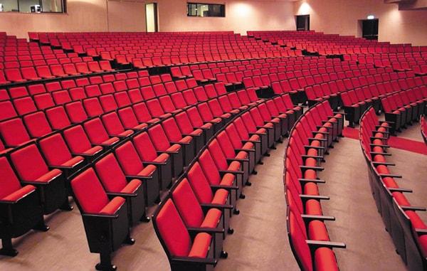 Ghế hội trường tông màu đỏ