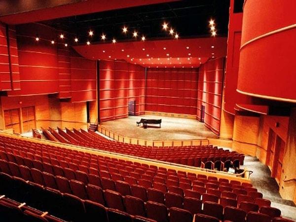 Sân khấu hội trường có kích thước bao nhiêu là chuẩn nhất?