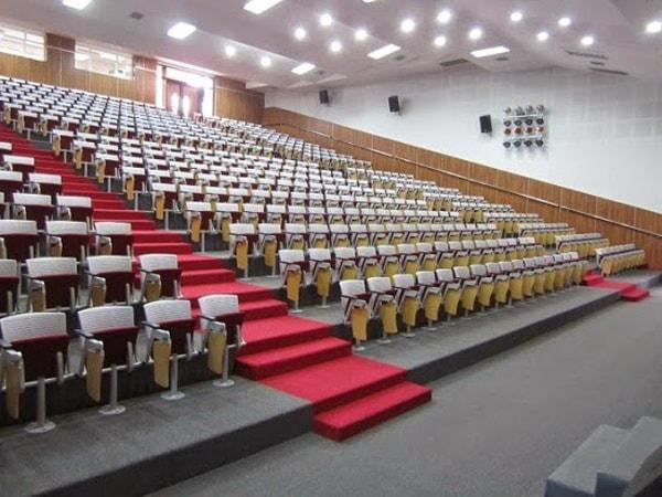 Ghế hội trường chân trụ là kiểu chân được cách điệu để tạo sự mới mẻ cho các thiết kế của ghế hội trường