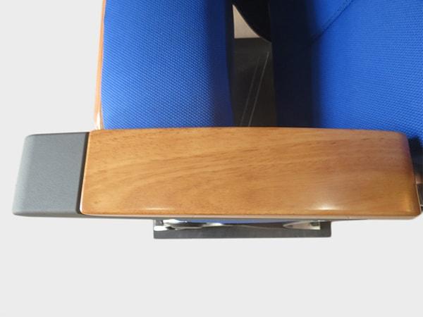 Dòng ghế hội trường nhập khẩu này ưa chuộng chất liệu gỗ cao cấp