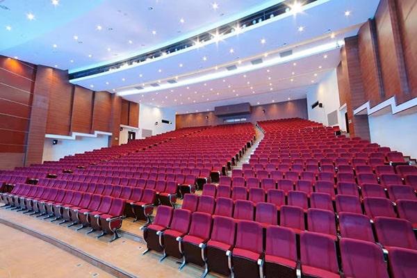 Thiết kế hội trường 200 chỗ hiện đại nhưng vẫn đảm bảo tính trang trọng