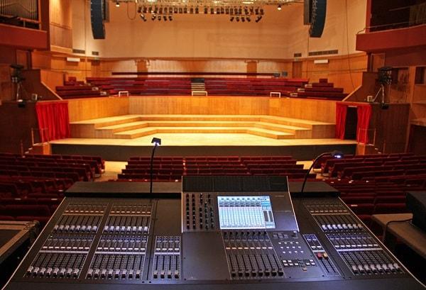 Hệ thống âm thanh dành cho các hội trường lớn