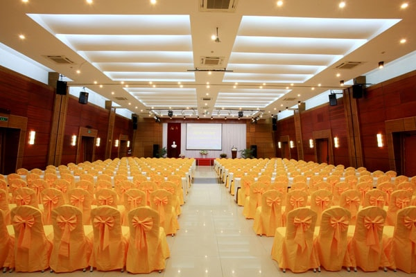Tiêu chuẩn ánh sáng dành cho hội trường lớn