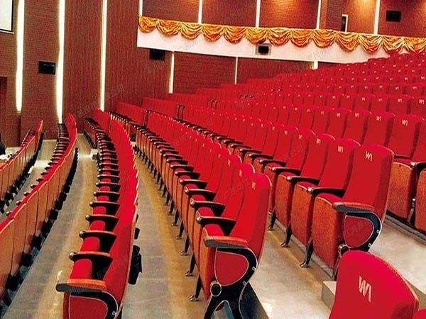 Kích thước ghế phù hợp với nhiều kích cỡ khác nhau