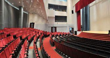 Cách chọn và bố trí ghế ngồi cho hội trường các trường đại học